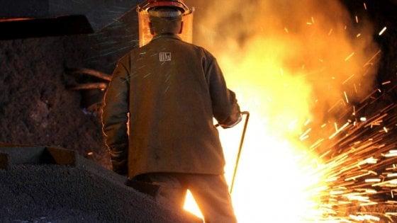 Ilva di Taranto, operaio fu ucciso da una colata di ghisa: ecco i dirigenti aziendali sotto inchiesta
