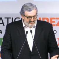 Congresso Pd, M5S vuole le dimissioni di Emiliano da governatore: