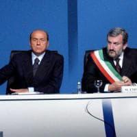 Pd, Berlusconi 'benedice' la corsa di Emiliano: