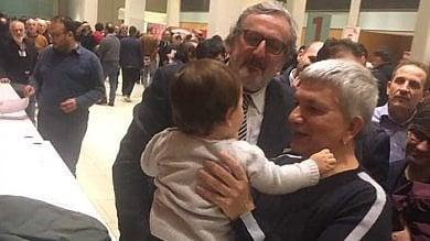 """Emiliano si presenta a Tobia Antonio, il figlio  di Nichi Vendola: """"Chiamami zio Michele""""   ft"""