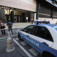 Brindisi, violentato mentre aspetta il treno: arrestati due trentenni