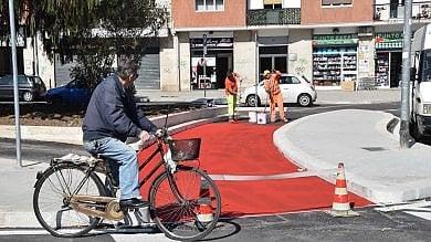 Ft  Bari, la pista ciclabile sulla rotatoria  a San Marcello: ecco gli ultimi ritocchi