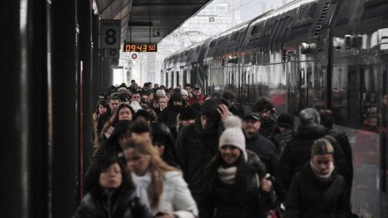 Treni, Bari-Milano della notte in ritardo per aspettare i tifosi del Brescia: ordine del prefetto