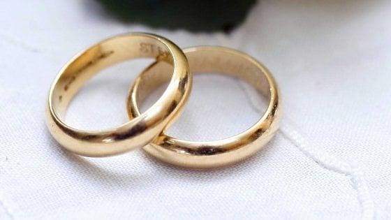 Il marito ha 49 anni e da quattro ha perso il lavoro, mentre la moglie ...