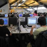 """Taranto, i lavoratori del call center retribuiti meno di 2 euro l'ora. La Cgil: """"E'..."""