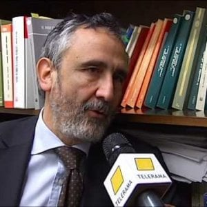 """Pd, l'avvocato di D'Alema sostiene Orlando: """"Io resto, anche Massimo può sbagliare"""""""