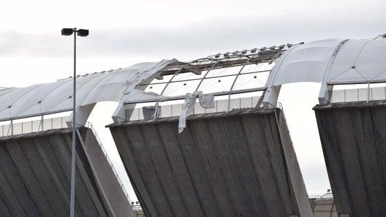 Bari, l'astronave di Renzo Piano sta cadendo a pezzi: il San Nicola ha perso anche il decimo petalo