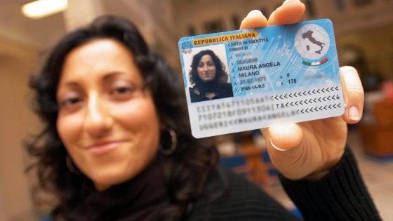 Ufficio Per Carta D Identità : Siamo pieni venga a novembreu d odissea per una carta d identità