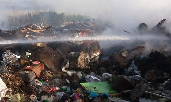 Bari, ancora fiamme al campo rom di Japigia: è già il secondo rogo in tre giorni