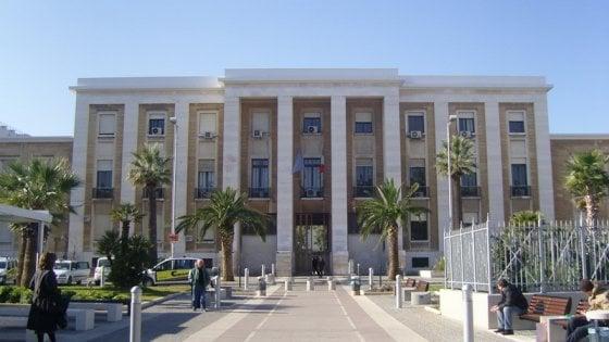 """Bari, raid dei vandali nell'asilo del Policlinico: i bambini rimandati a casa. """"E' la quarta volta"""""""