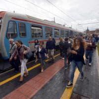 Ferrovie Sud Est, treni in ritardo e debiti per 250 milioni. E l'azienda