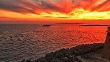 Rosso di sera a Gallipoli il tramonto è infuocato