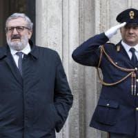 """Patti per il Sud, Michele Emiliano accusa il governo. De Vincenti: """"Mente"""""""