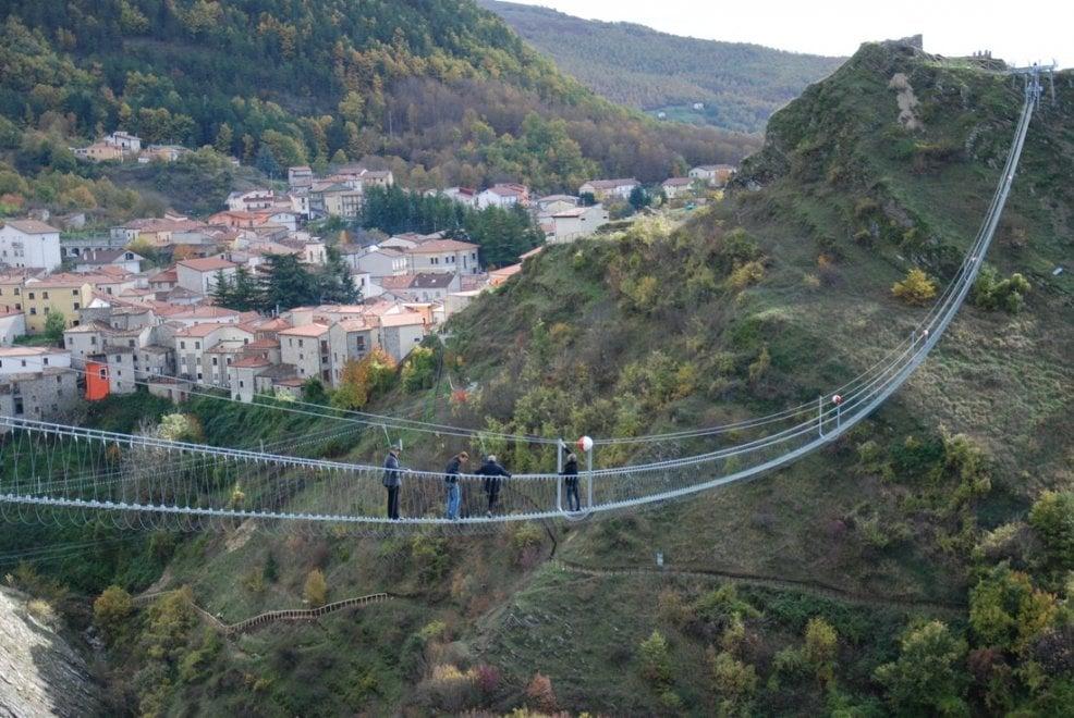 Basilicata, la passeggiata mozzafiato sul Ponte alla Luna
