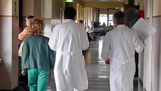"""Foggia, il Tar fa girare armato il medico dell'ospedale di padre Pio: """"E' una zona a rischio"""""""