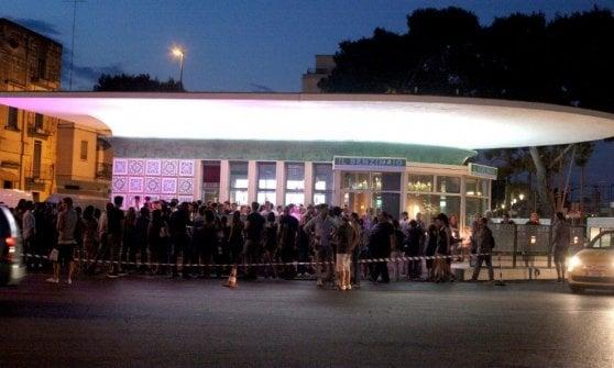 ineguagliabile nelle prestazioni arte squisita venduto in tutto il mondo Lecce, l'idea di Ozpetek: un bar nella ex stazione Agip come ...