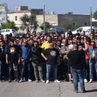 Centinaia di tifosi contestano il Bari prima dell'allenamento: