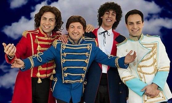 I Pooh donano cinquant'anni di storia alla tribute band Palasport: palchi, costumi e strumenti musicali