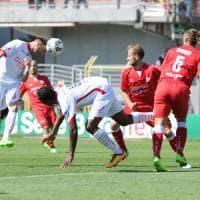 La contestazione dei tifosi non smuove il Bari: 2-0 a Carpi e undicesimo
