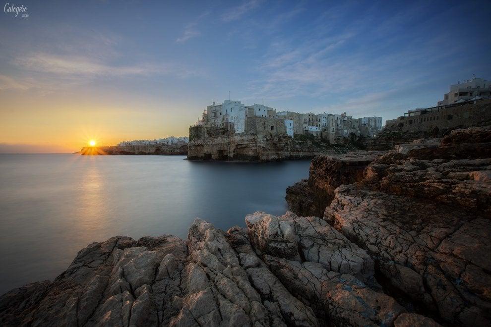 Sole, mare e nuvole: le quattro stagioni di Polignano