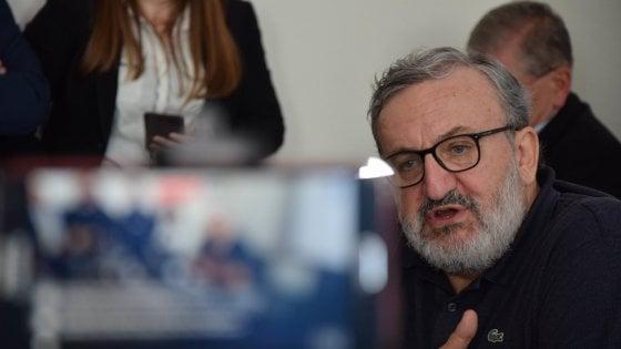 """Michele Emiliano: """"In Puglia negozi chiusi il 25 aprile e il 1° maggio. E sulle domeniche discutiamo"""""""