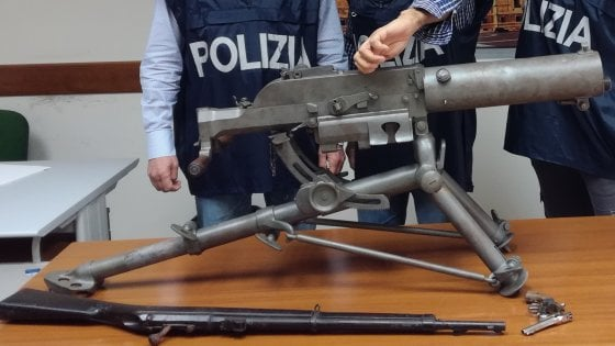 Taranto Armi Della Prima Guerra Mondiale Nascoste In Un