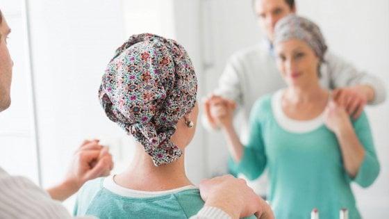 Tumori, la Regione Puglia rimborsa le parrucche ai pazienti in chemio: stanziati 600mila euro