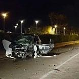 Incidente sul lungomare  di Bari. Auto si ribalta:  4 feriti in codice rosso
