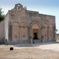 Foggia, marito e moglie 70enni travolti e uccisi all'uscita dell'abbazia di Manfredonia