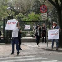 """Gasdotto Tap, sancita la pace: """"Ulivi salvi fino a novembre ma ora stop alla violenza"""""""