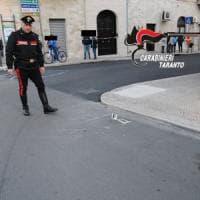 Massafra, donna ferita in piazza: arrestato 31enne che ha sparato all'impazzata tra la...