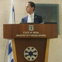 """Bari, lettera di minacce al console di Israele: """"Ebreo"""". Lui accusa: """"Sicurezza non..."""