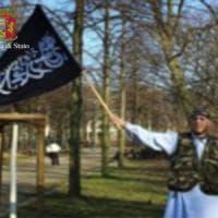 """Terrorismo, a Brindisi un arresto e un'espulsione: """"Integralisti legati all'attentatore di..."""