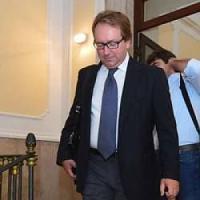 """""""Vini e cosmetici con i soldi del Petruzzelli"""": l'ex direttore dovrà restituire 370mila..."""