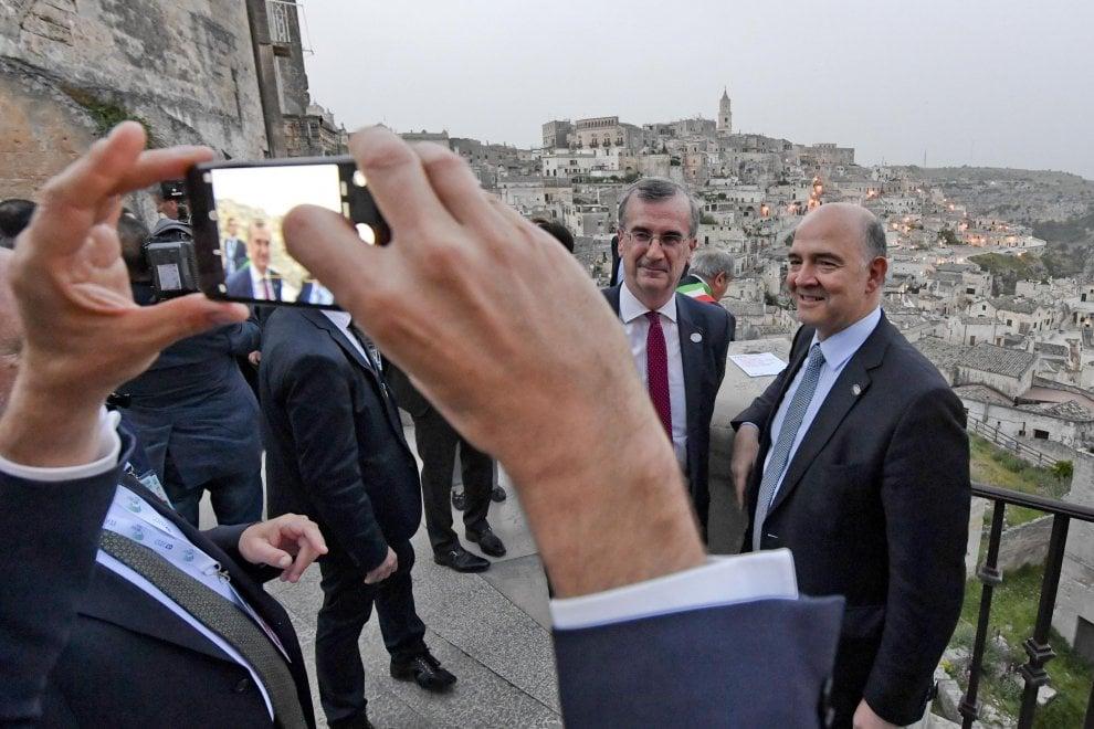 I big del G7 stregati da Matera: foto e selfie tra i Sassi