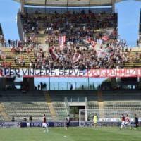 Il Bari chiude tra i fischi al San Nicola: 0-1 con l'Ascoli. I tifosi: