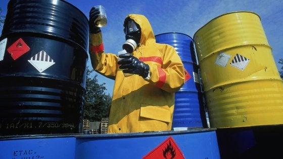 Taranto, trasferiti a Roma 16mila fusti radioattivi: contengono anche scorie di Chernobyl