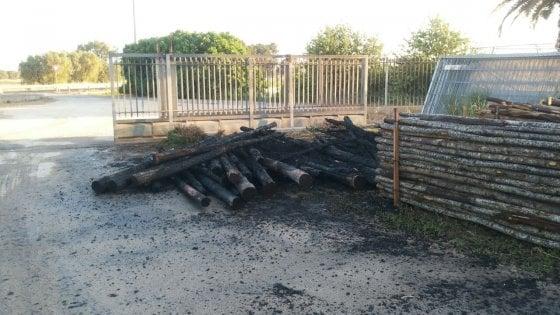 Gasdotto Tap, molotov contro l'azienda che ha spostato gli ulivi: danni alla recinzione