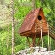 Nella pineta San Francesco  10 casette sugli alberi  per i turisti in sacco a pelo