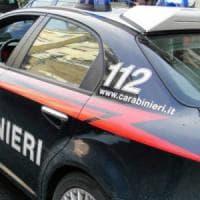 Bari, lancia pietre sulle auto e ferisce i carabinieri: patteggia nove mesi