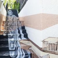 C'è Giove sulla scalinata, a Canosa prospettiva street art