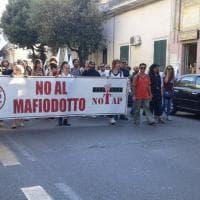Gasdotto, la marcia No Tap a Lecce tra i turisti