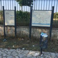 Metaponto, rifiuti e cartacce davanti al tempio greco