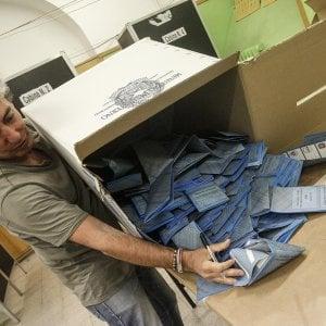Elezioni, affluenza al 20,57 per cento. Due denunciati a Castellaneta: fotografavano le schede
