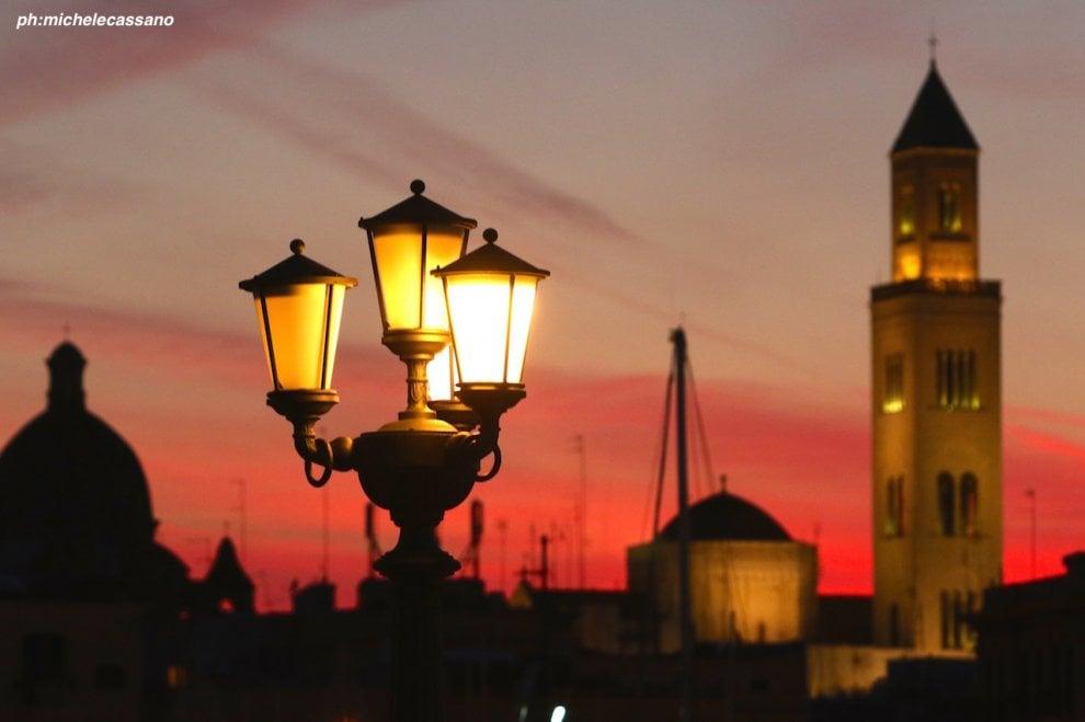 Rosso di sera su Bari: il tramonto è da incanto