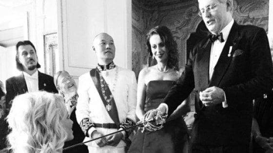 Si finge principe del Montenegro e truffa vip e autorità per soggiornare gratis: scoperto a Brindisi