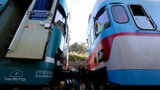 Scontro fra treni in Salento, il ministero dei Trasporti ascolterà il macchinista