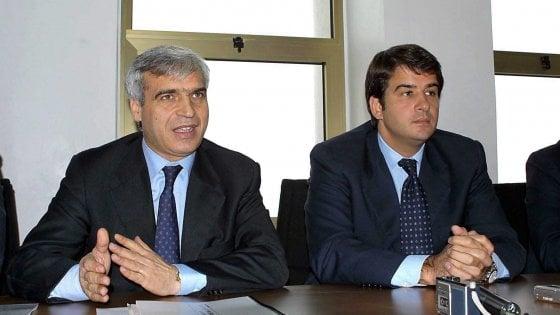 Centrodestra, Palese lascia Fitto e torna con Berlusconi: anche Labriola, eletta con i 5 Stelle