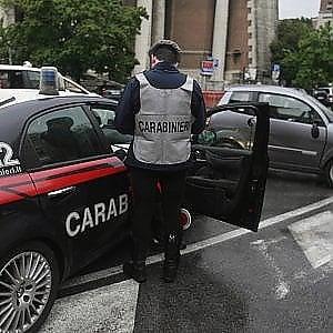 Truffe agli anziani, si finge avvocato per ottenere denaro: 51enne arrestato a Foggia