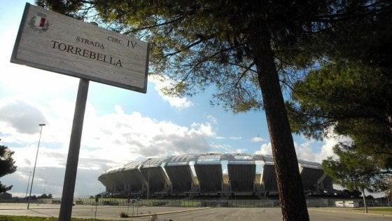 """Bari, scontro sullo stadio. Il sindaco respinge la proposta della società: """"Intollerabile"""""""